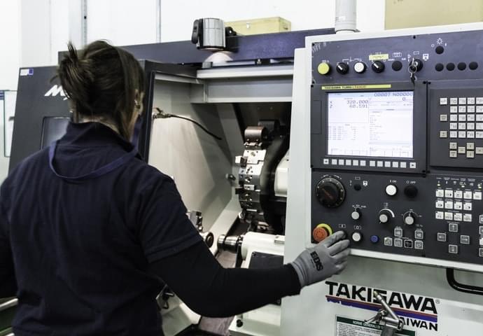Maschinen für die Planung und Herstellung von Stanzformen und Werkzeugen für Blech Schweiβen