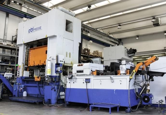 Metallschneidemaschinen 2