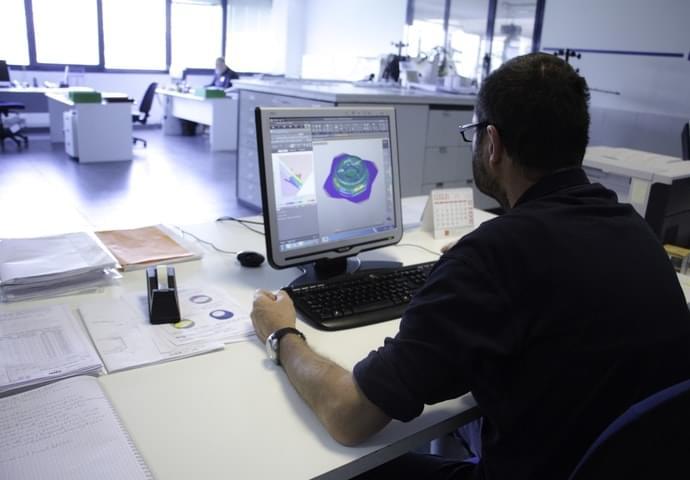Planungsphase der Stanzformen und Werkzeuge für Blech Schweiβen